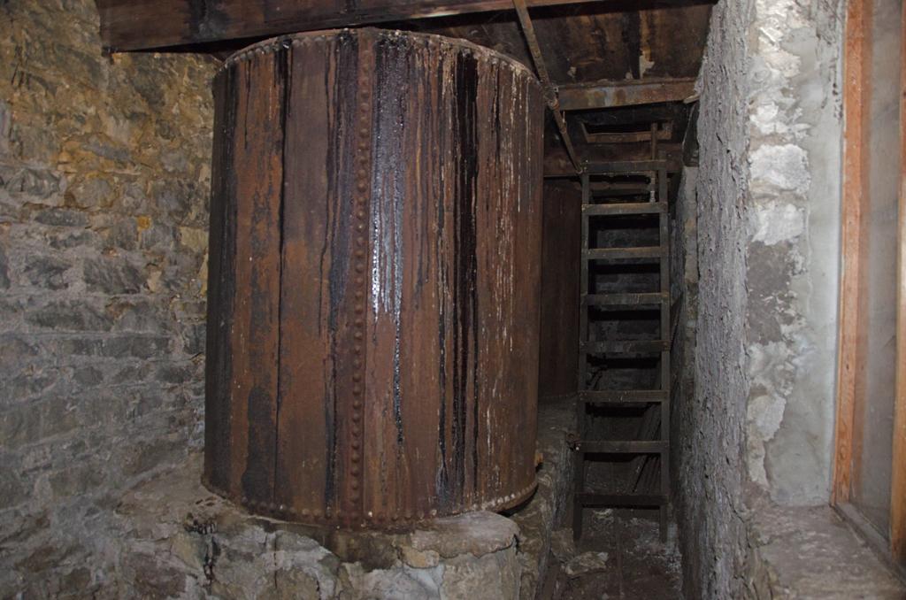 whiskey-barrels-DSC_6250
